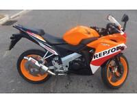 HONDA CBR125 CBR 125 2016 REPSOL EDITION 2 YEARS MOT EXCELLENT RUNNER LOW MILES NEW SHAPE NEARLY NEW