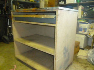 rolling metal top work and storage bench
