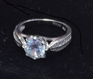 Brand new 925 Sterling Silver ring