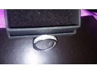 1 carat diamond band ring .