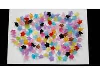 150 x 6mm MULTICOLOUR FLOWER BEADS - BRAND NEW