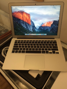 SELLING APPLE MACBOOK Air 13""