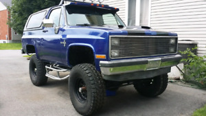 RUST FREE Lifted K5 Blazer with removable hard top