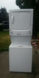 1yr old Kenmore Stackable washer/dryer with delivery