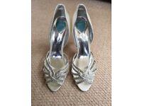 Belle London ivory Bridal shoes, Size 6