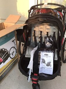 Instep Deluxe two seat bike trailer