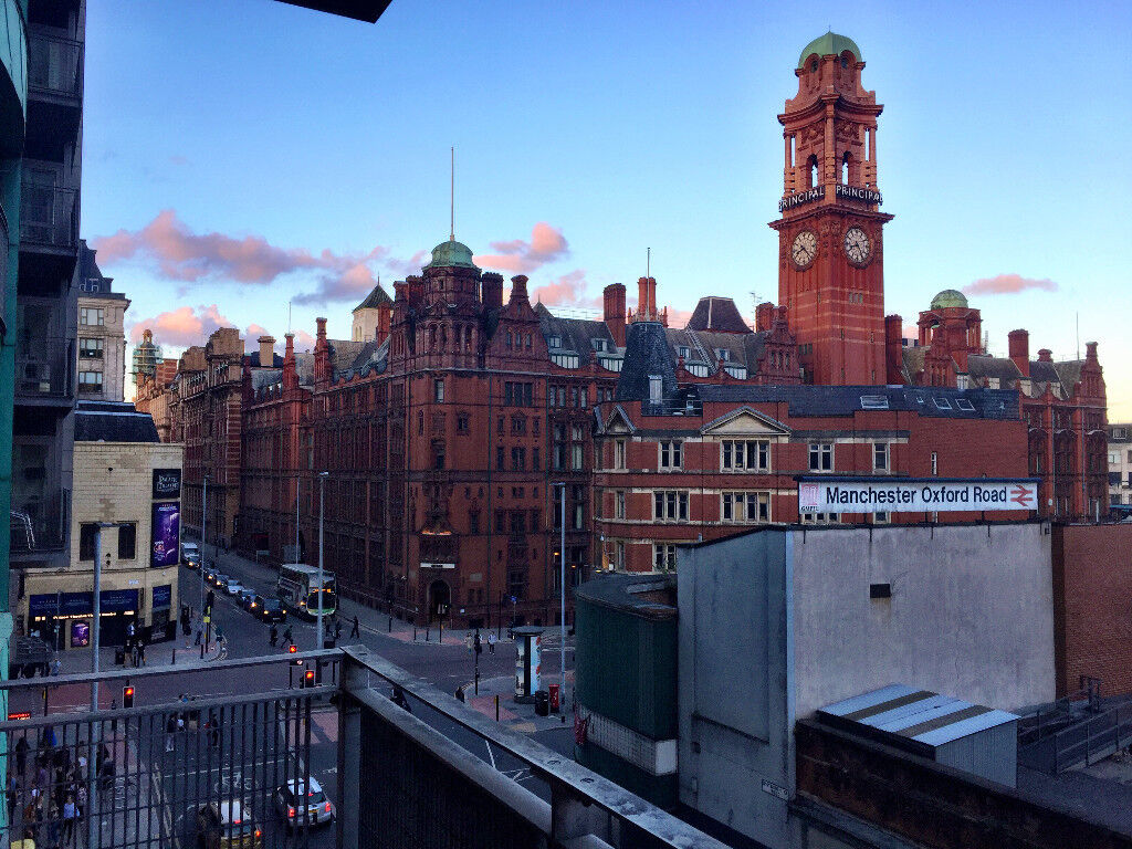 Luxury 2-bed, 2 bathroom City Centre Manchester Apartment With Underground Car Parking