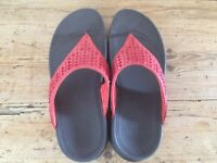 FitFlop Novy Sandals Flame Size 6/39