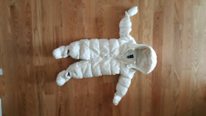 Gap downfill snowsuit size 6-12 months