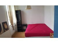 LARGE DOUBLE ROOM IN EARLS COURT - ZONE 1