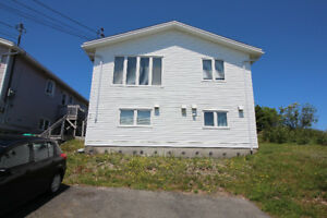 Bright Spacious 2 Bedroom Apt - Available Immediately