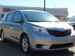 2016 Toyota Sienna 7 PASSENGER, BACKUP CAM, A/C, REAR CLIMATE CO