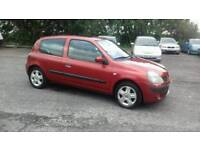 2004 Renault clio 1.2 petrol Dynamiqu Low Warranted mileage cheap to run and insurance