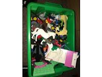 Box of Lego has figures £5