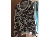 Leopard fluffy jumper