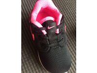 Kids Nike roshe one trainers. Brand new-- size