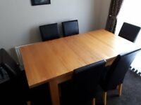 Oak Extendable Dining Table & 6 Chairs