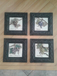 Resin pictures of wine grapes
