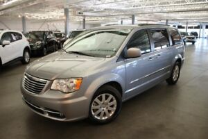 Chrysler Town - Country TOURING 4D Wagon 2015