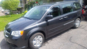 2011 Dodge Grand Caravan 89000 km great condition Low milage