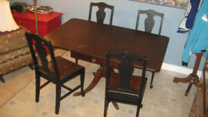 Duncan Phyfe table with 4 matching chairs