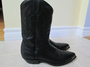 Beautiful genuine leather ladies cowboy boots