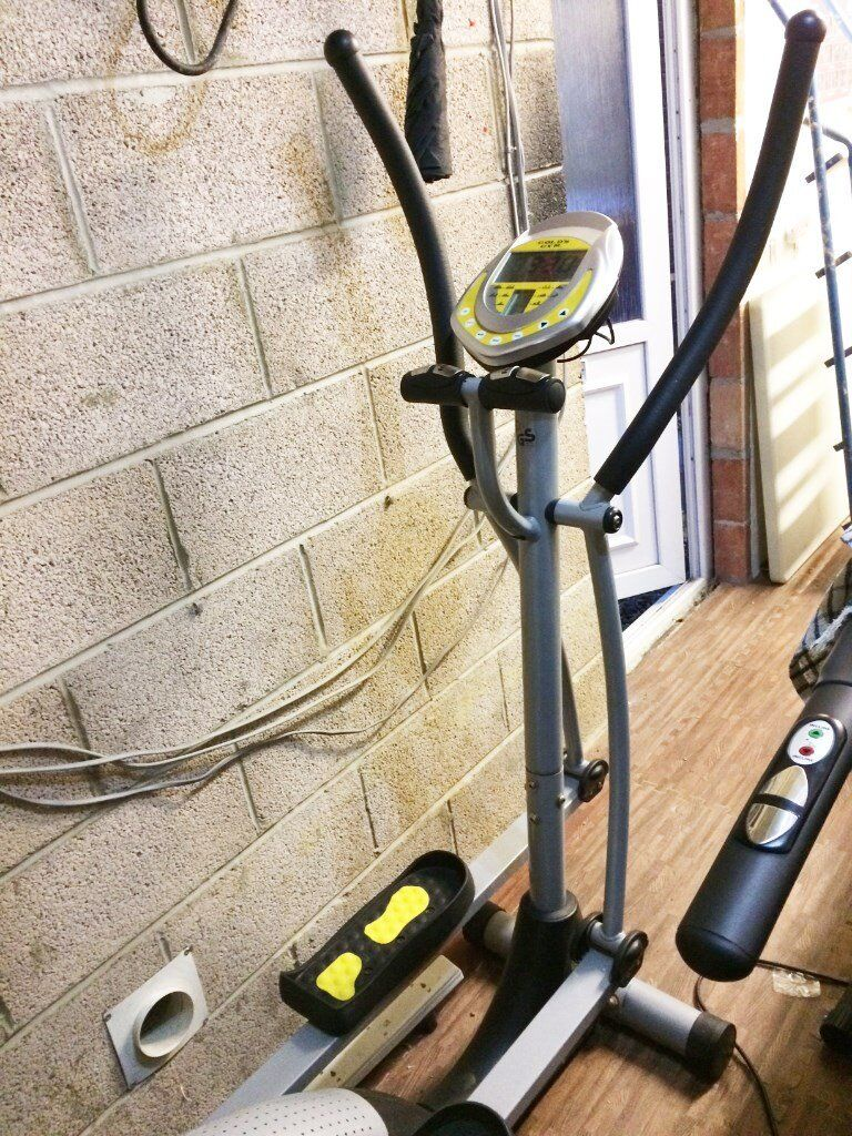 Cross Trainer Gold's Gym V8 10 Programs & Heart Rate Pads Good Condition  with Manual