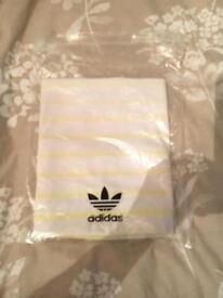 Men's Adidas top