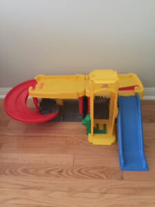 Fisher-Price Little People Racin' Ramps Garage (Parking) Only