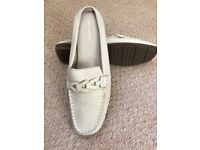 M&S LADIES SIZE 7, SOFT CREAM LEATHER MOCCASINS, BRAND NEW - £15.50