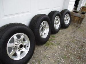 "Heavy Duty 16""fifth wheel trailer tires with aluminum rims"