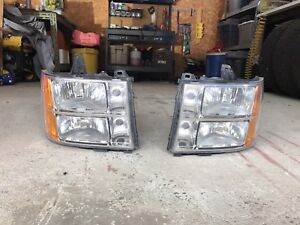 GMC HEADLIGHTS 2007.5 SIERRA