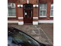 Studio to rent in Ealing