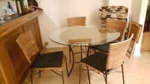 5 pc dinette bamboo and black metal with glass table & 4 Chairs