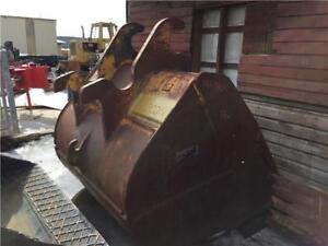 Finning brand cleanup bucket for 450 sized hoe