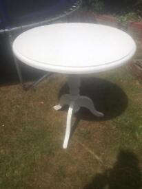 Shabby chic round table