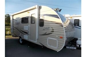 2017 FOREST RIVER SHASTA OASIS 18BH TRAVEL TRAILER