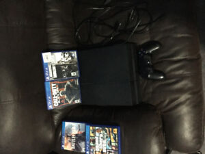 PS4 with 4 games mint condition