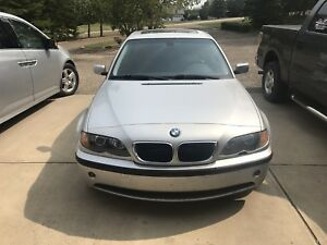 2003 BMW 325i - WINTER TIRES + ROOF RACK included