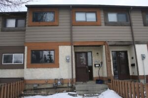 Renovated 3 bedroom townhouse in Penbrook, Calgary