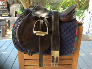"16 1/2"" close contact saddle"