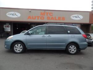 2010 Toyota Sienna LE 7 Passenger, LEATHER