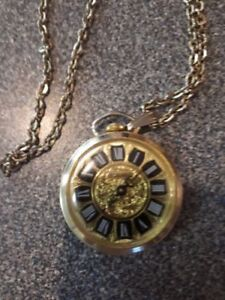 Vintage Broken Watch & Pocket Watches