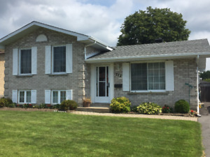 Great brick bungalow in excellent location!!!