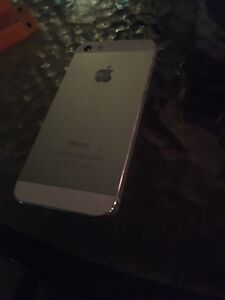 Mint condition apple Iphone5S