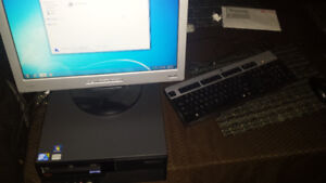 LENOVO COMPUTER WITH MONITOR KEYBOARD AND MOUSE