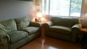 2pc La Z Boy sofa set
