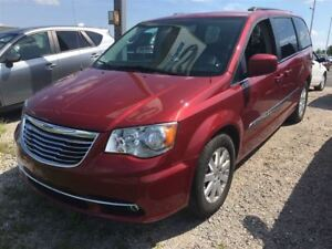 2016 Chrysler Town & Country TOURING w/ DVD ENTERTAINMENT SYSTEM