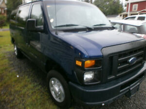 2010 Ford E-Series Van  8 Passenger or Commercial