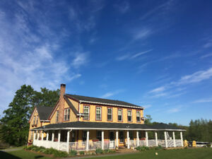 Beautiful Country Farmhouse Retreat for Rent